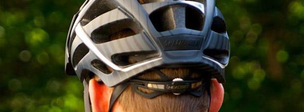 Cómo ajustarse correctamente el casco de Mountain Bike