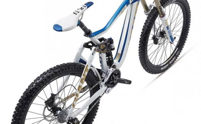 Giant Glory de 2012. La imbatible bicicleta campeona del mundo en DH