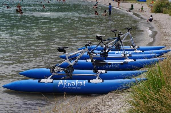 Akwakat Waterbike Kit: Convierte nuestra Mountain Bike en una funcional barca a pedales