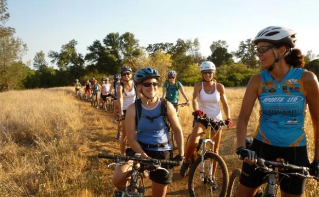 Para mujeres: 30 minutos de bicicleta al día para mejorar la vida sexual y mantener la línea