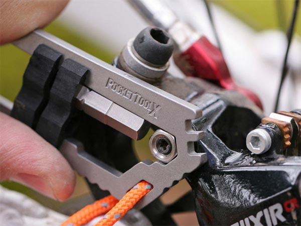 PocketToolX. Unas mini-herramientas sencillas y muy efectivas para los ciclistas más minimalistas