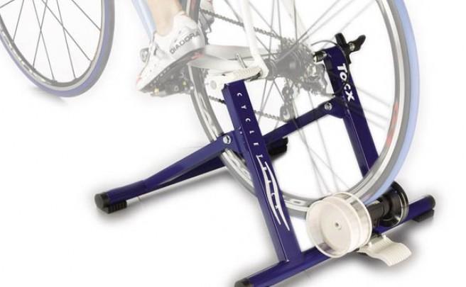 El rodillo, la mejor opción para seguir pedaleando en la época más fría del año