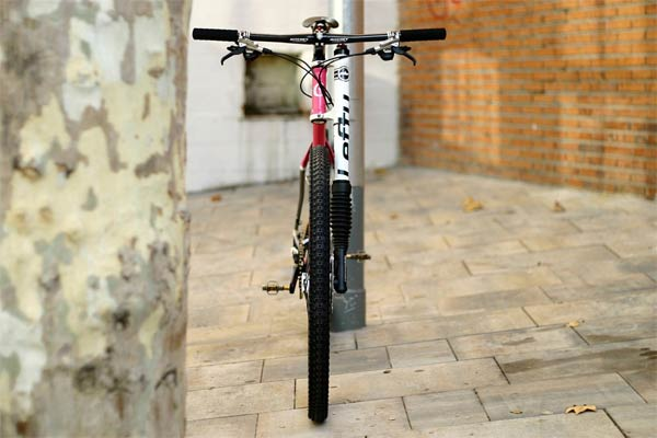 Totxo 29er Pink Love Edition: Un espectacular montaje sobre cuadro de acero de la firma española Cyclo