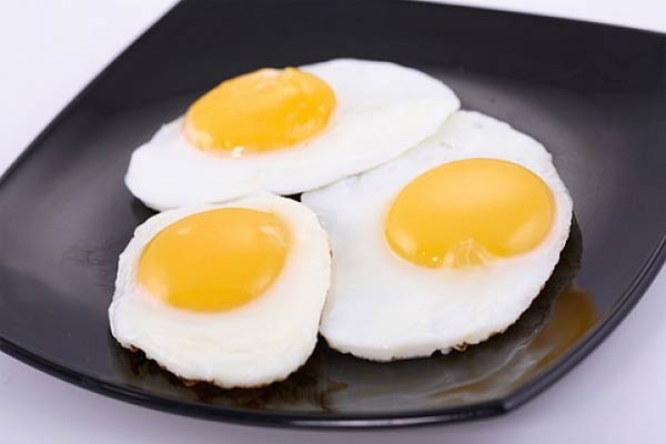 Nutrición: El colesterol en las yemas de huevo, ¿son tan nocivas como el tabaco?