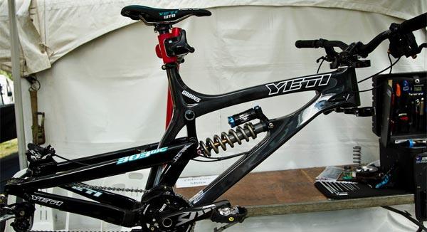 La nueva Yeti 303 DH Carbon de 2013 en primicia: Primer contacto