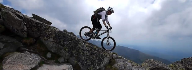 Video: Practicando Mountain Bike en los Montes Tatras (Cárpatos, Eslovaquia)