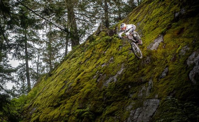 Video: Practicando Mountain Bike con Seth Sherlock, un asombroso chaval de 10 años de edad