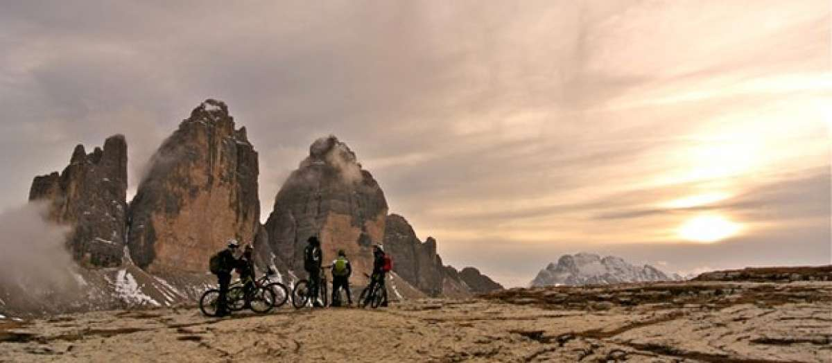 Video: Practicando Mountain Bike en las Tres Cimas de Lavaredo (Alpes, Italia)