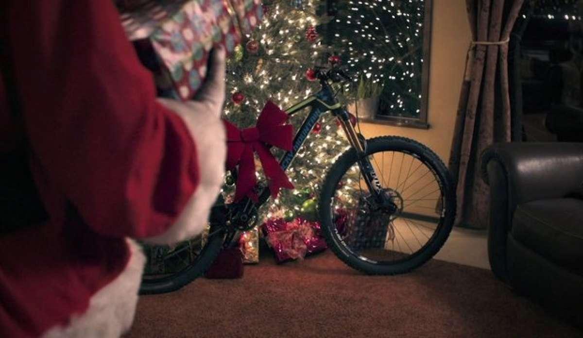 Video: 'Rad Santa', el divertido anuncio promocional navideño de Rocky Mountain