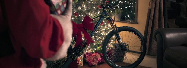 Video: 'Rad Santa', el divertido anuncio promocional navideño de Rocky Mountain