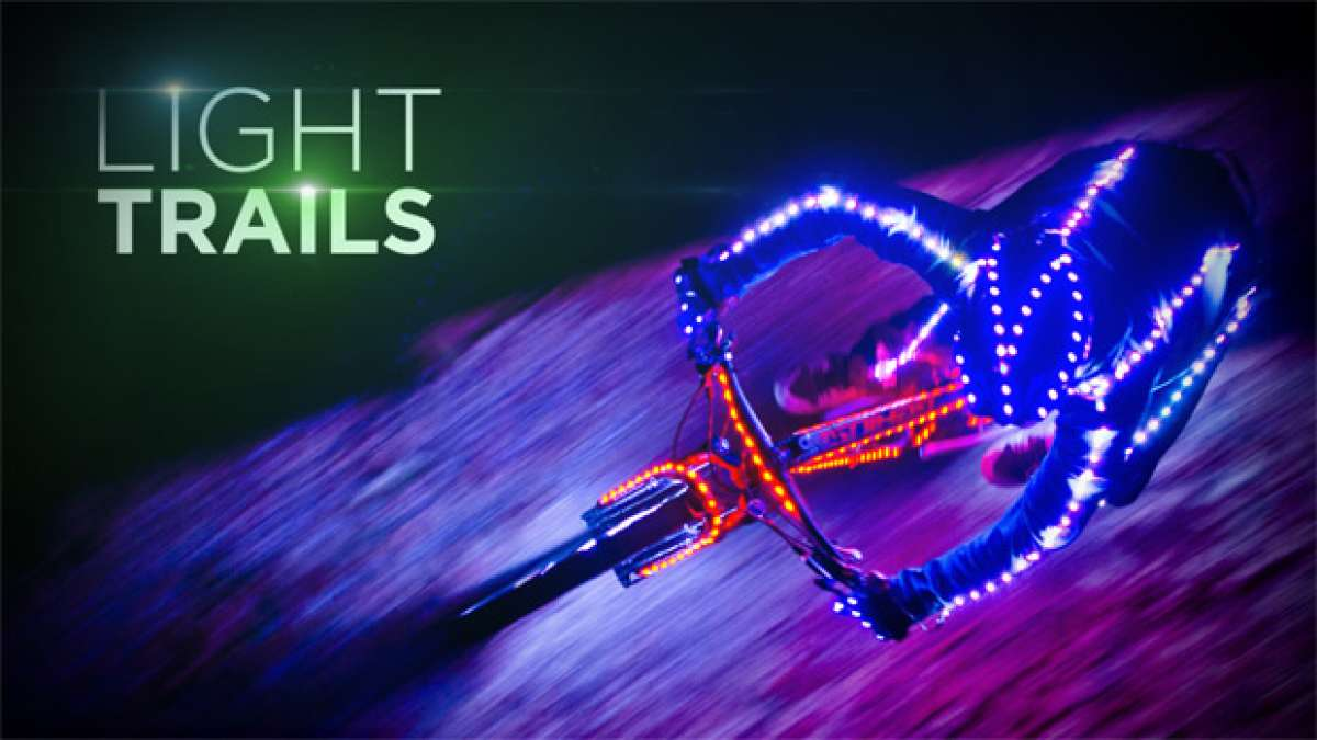 "Video: ""Light Trails"", una genial combinación de técnica, LEDs y bicicletas"