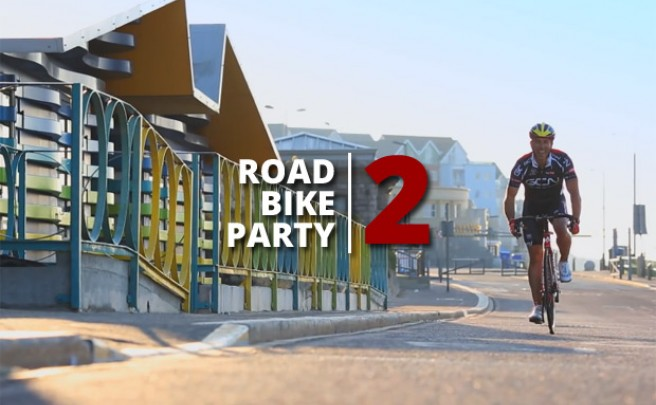 Video: Road Bike Party 2, las peripecias de Martyn Ashton, Danny MacAskill y Chris Akrigg sobre una Colnago C59