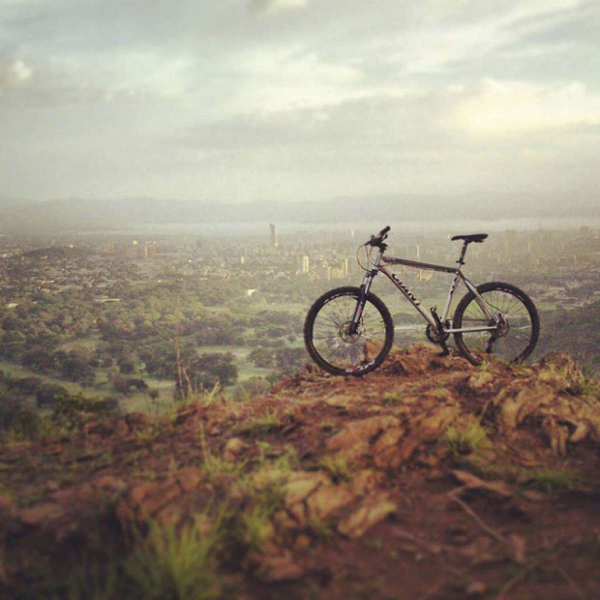 """La foto del día en TodoMountainBike: """"La Ciudad Jardín desde la montaña"""""""