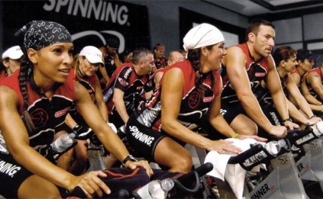 Cinco buenos beneficios de practicar Spinning cuando no podemos salir a rodar