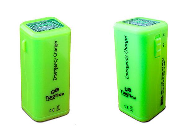 El nuevo cargador de emergencia a pilas de TwoNav