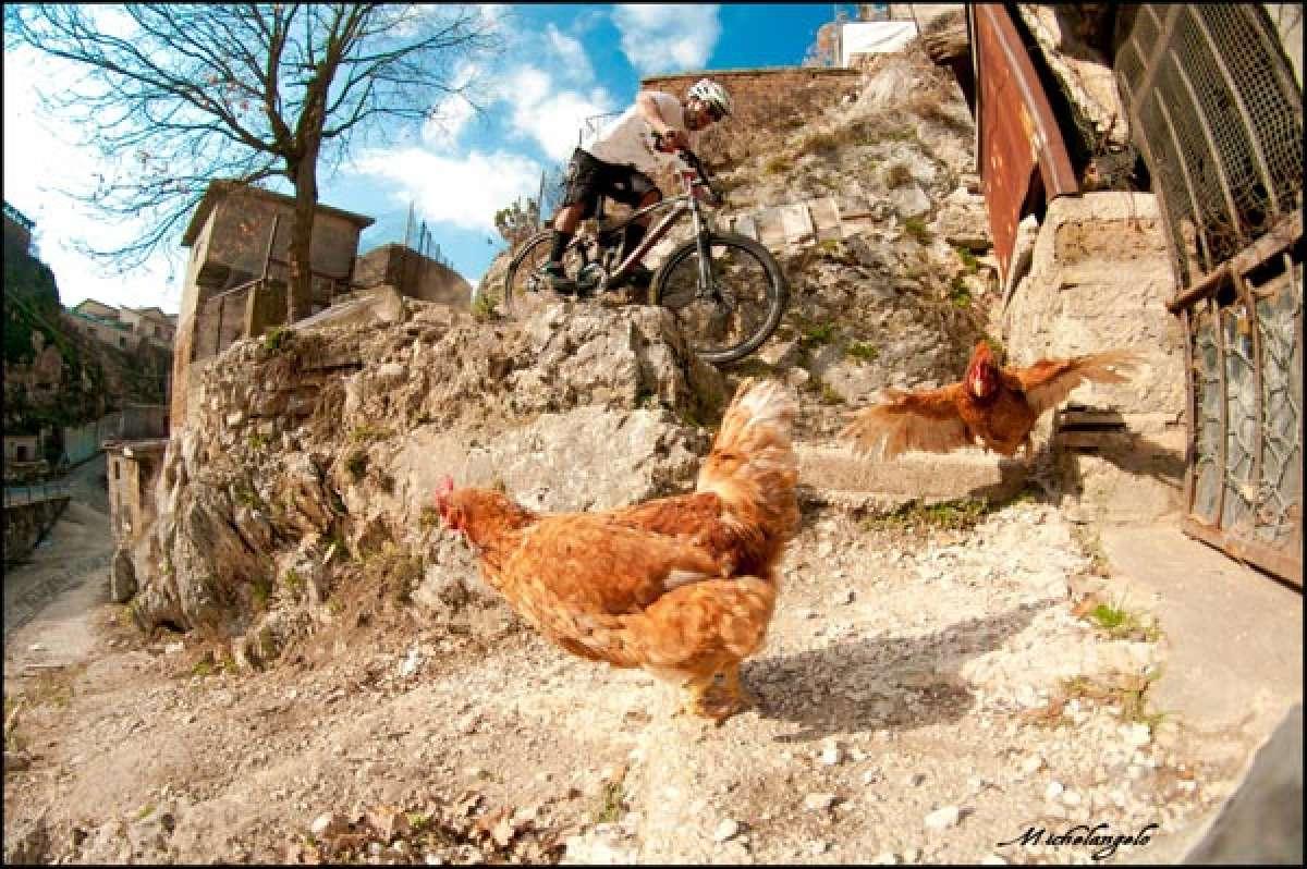 La foto de la semana en TodoMountainBike: 'Chicken Race'