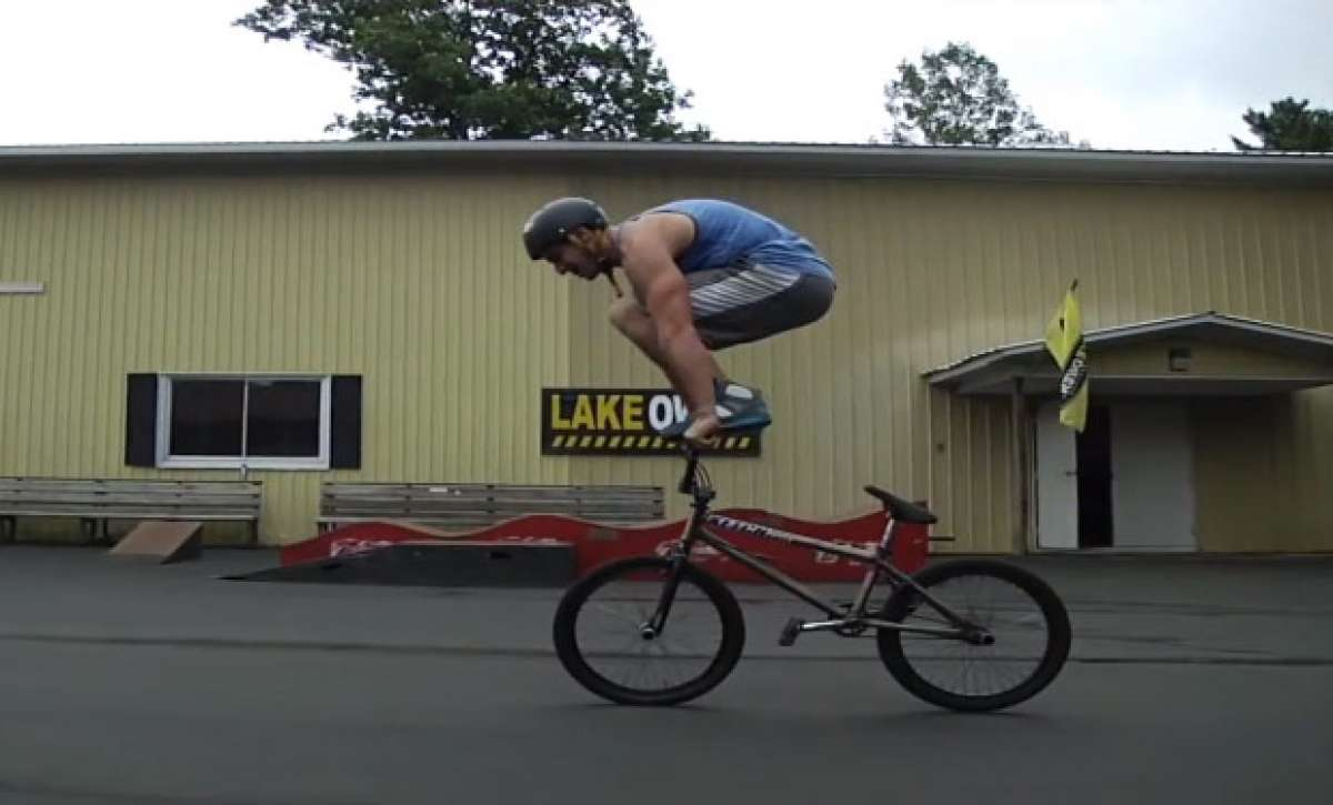 Video: Las impresionantes y originales piruetas sobre una BMX de Tim Knoll