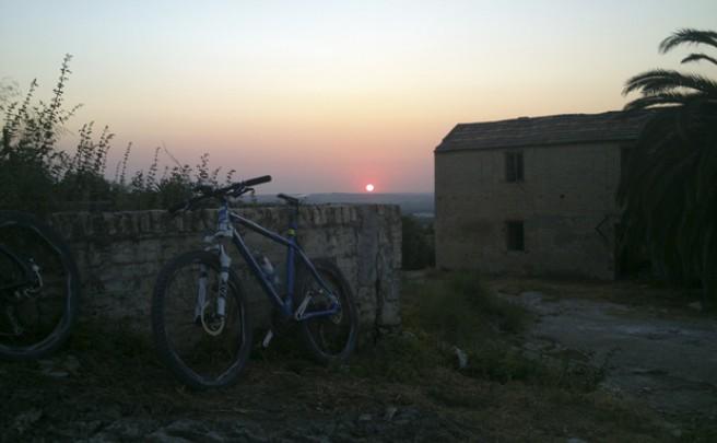 La foto del día en TodoMountainBike: 'Atardecer en Córdoba (Andalucía, España)'