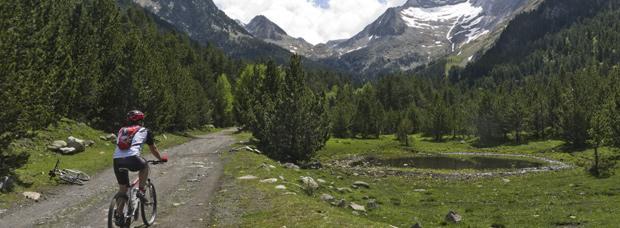 La foto del día en TodoMountainBike: 'De ruta por el Valle de Benasque (Huesca, España)'