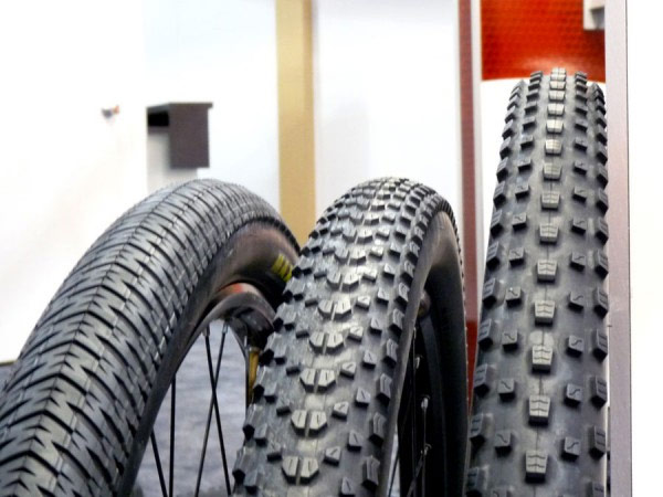 Sorpresa, sorpresa: Nuevas ruedas ultraligeras de Fulcrum en fibra de carbono en el equipo Merida MultiVan