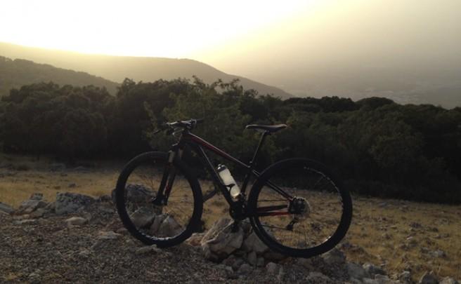 La foto del día en TodoMountainBike: 'Atardecer en Sierra Mágina (Jaén)'
