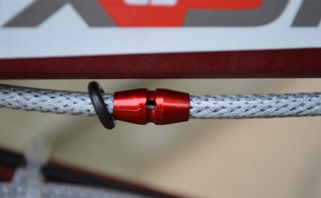 Los pequeños y prácticos puertos de engrase para cables de Middleburn