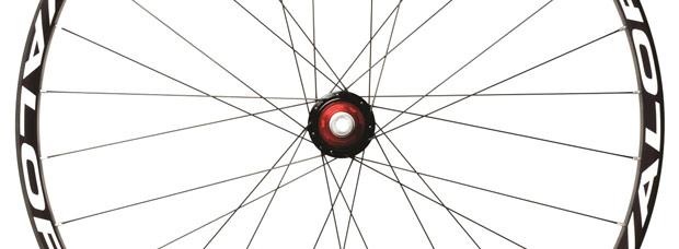 Stan's NoTubes ZTR Valor: Nuevas llantas de carbono para 2014