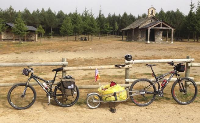 La foto del día en TodoMountainBike: 'La Cruz de Hierro (Camino de Santiago, León)'
