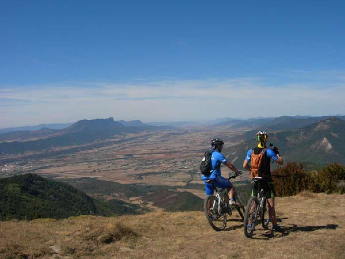 La foto de la semana en TodoMountainBike: 'Vistas desde Oturia (Aragón, España)'