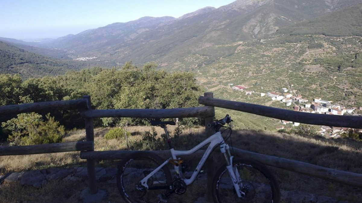 """La foto del día en TodoMountainBike: """"El valle del Jerte (Extremadura)"""""""