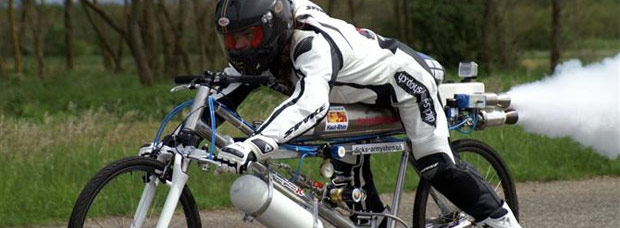 285 Km/h: Récord del mundo de velocidad sobre una bicicleta