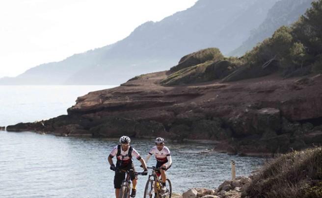 La foto del día en TodoMountainBike: 'Mar y Mountain Bike en Mallorca'
