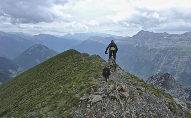 La foto del día en TodoMountainBike: 'El Pico Comodoto (Valle de Pineta, Huesca)'