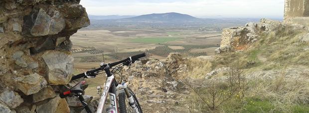 La foto del día en TodoMountainBike: 'Subida al Castillo de Magacela'