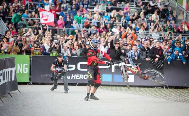 Video: El espectacular descenso de Steve Smith, el nuevo campeón del mundo en DH
