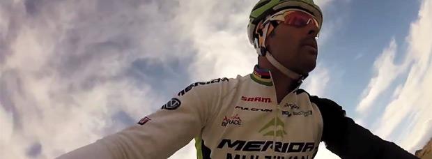 Video: Un día rodando con José Antonio Hermida, nuestro campeón del equipo Multivan Merida Biking Team