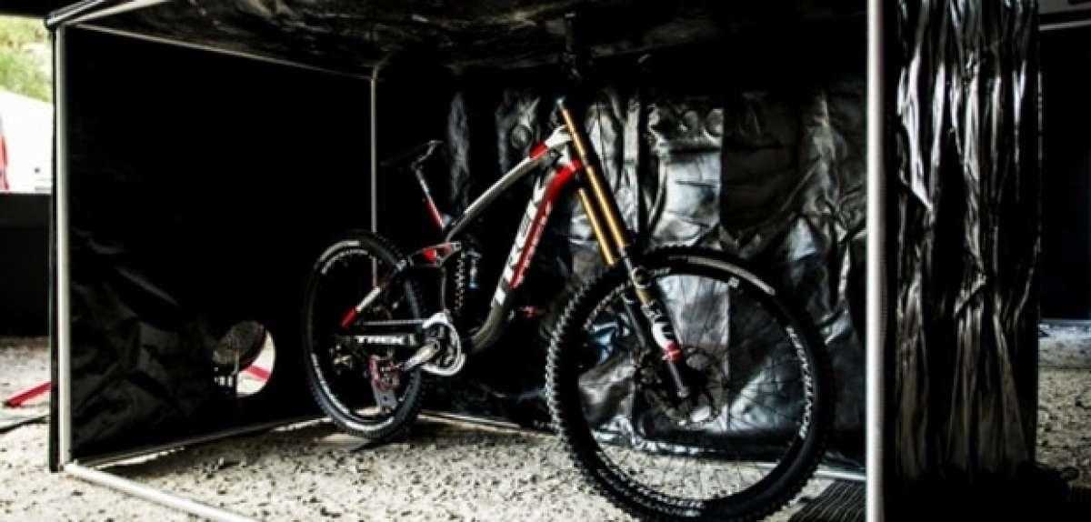 El Box calentador de bicicletas inspirado en la Fórmula 1 del equipo Trek World Racing