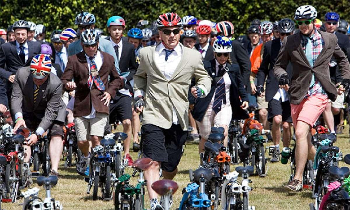 Video: El Campeonato del Mundo... rodando sobre bicicletas Brompton
