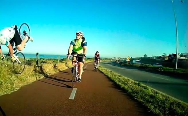 Cómo NO adelantar a un ciclista en un carril bici