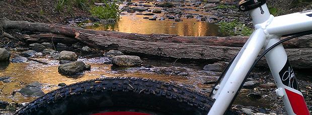 La foto del día en TodoMountainBike: 'Cruzando la Riera de Vallvidrera'