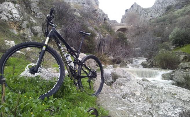 La foto del día en TodoMountainBike: 'El río Bailón (Zuheros, Córdoba)'