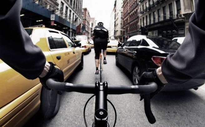 Mensajeros en bicicleta, la nueva apuesta de Amazon para sus entregas rápidas