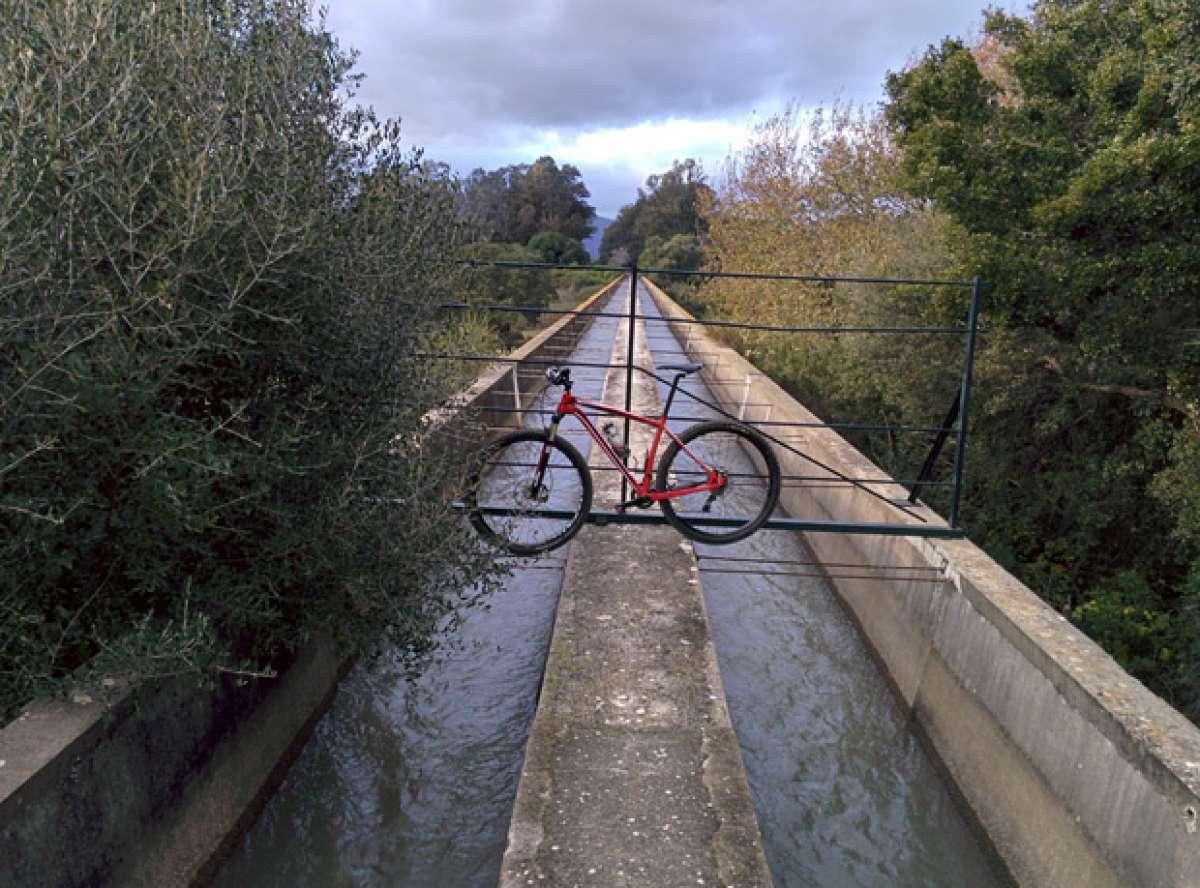 """La foto del día en TodoMountainBike: """"Ruta por un Canal"""""""