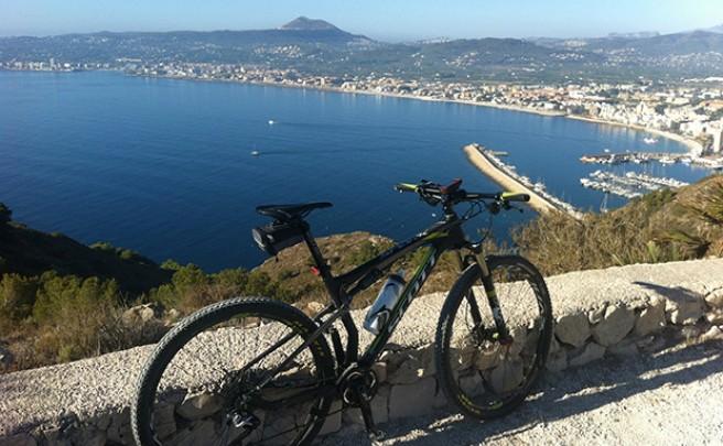 La foto del día en TodoMountainBike: 'Mar y Montaña'