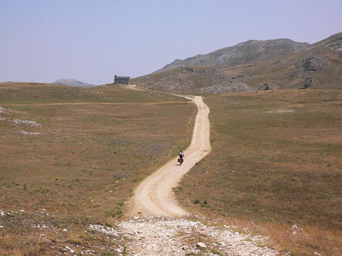 La foto del día en TodoMountainBike: 'La soledad del ciclista'
