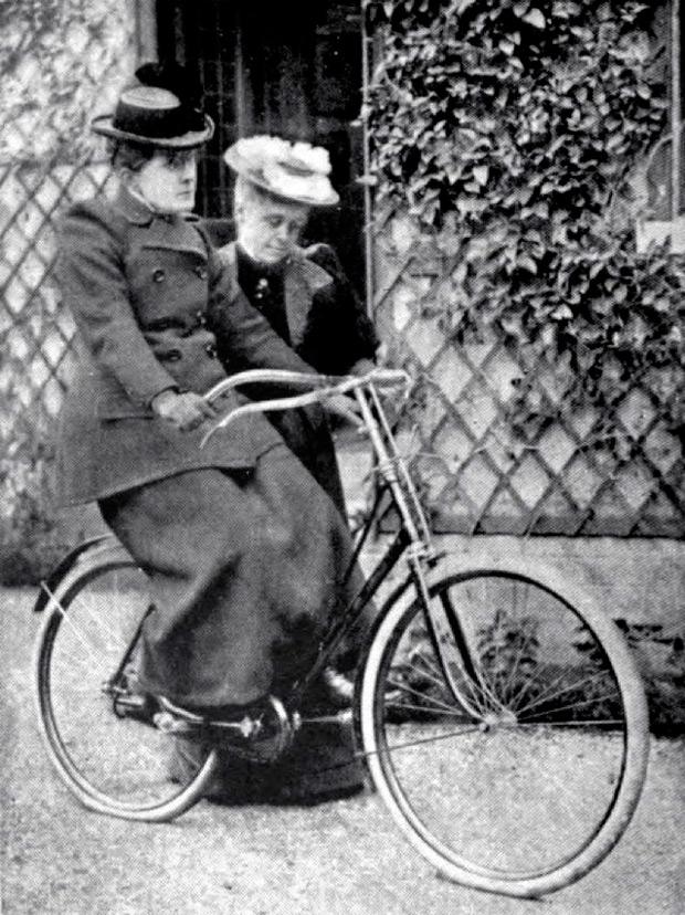 'Cara de bicicleta', la enfermedad ficticia que tuvieron que afrontar las mujeres ciclistas del siglo XIX