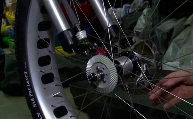 Así se monta una 'Fat Bike' con sistema de tracción a las dos ruedas de Christini