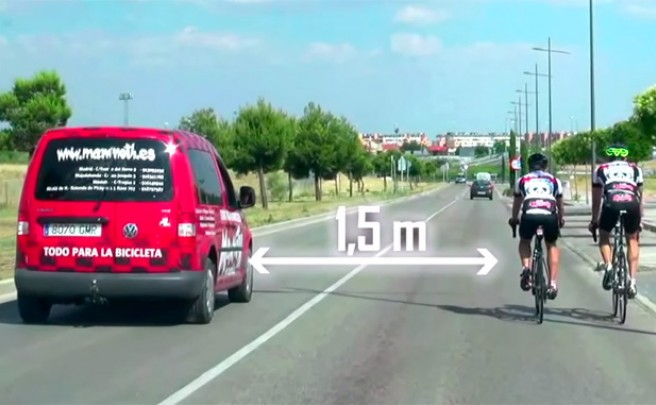 ¿Cómo adelantar correctamente a un ciclista?
