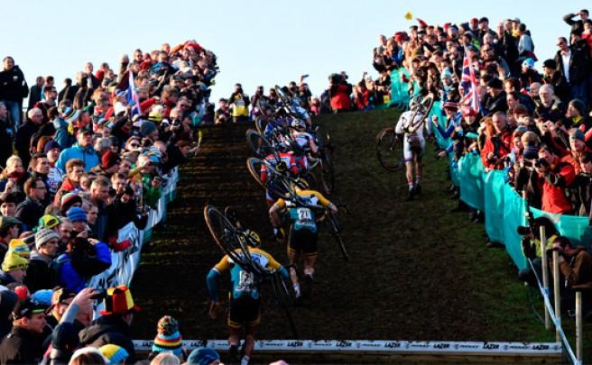 ¿Cómo se vive una carrera de la Copa del Mundo de Ciclocross desde dentro?