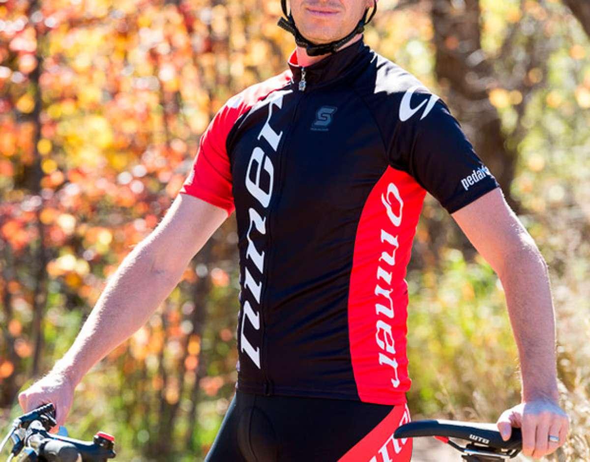 Nuevas y vistosas equipaciones para ciclistas Niner RDO y Niner TEAM